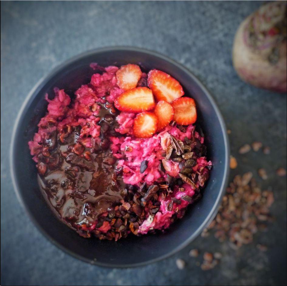 Vegan Breakfast: Beetroot Cake Porridge